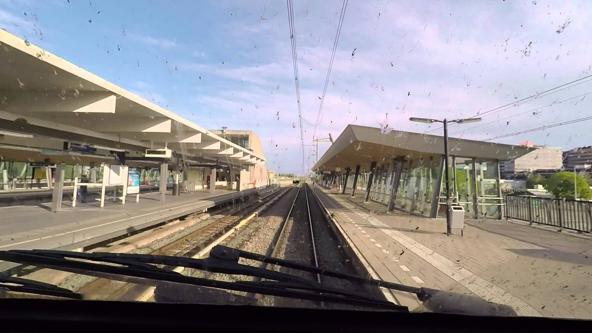[cabinerit] A train driver's view: Amsterdam CS – Utrecht CS, VIRM, 14-May-2015.