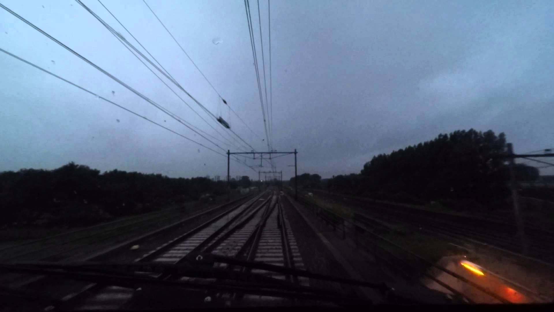 [cabinerit] A train driver's view: Lelystad Centrum – Den Haag CS, VIRM, 10-Jun-2015.