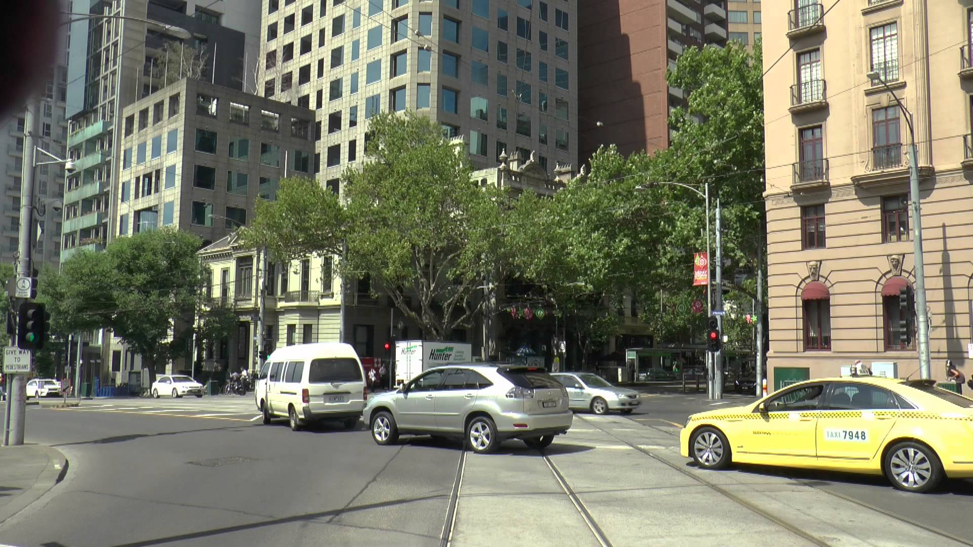 Melbourne Trams – Route 12 Tram Drivers View December 2014
