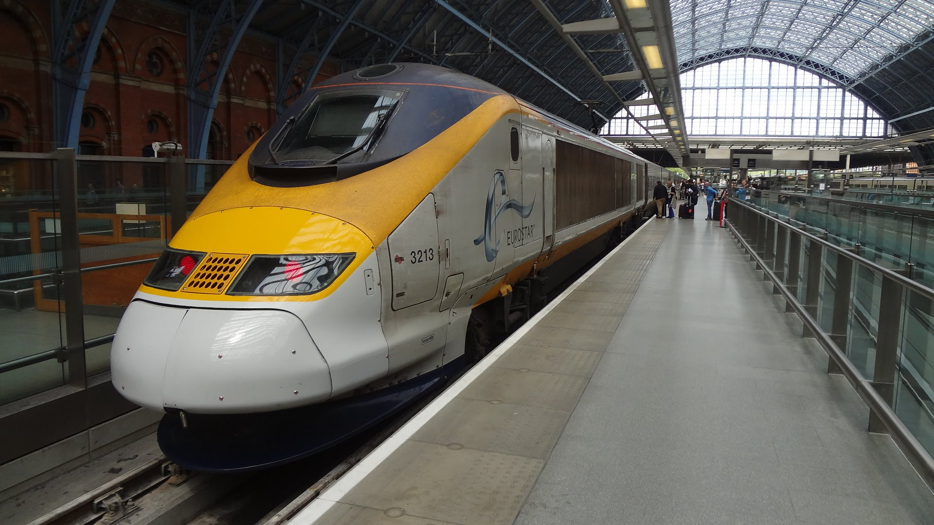 EUROSTAR / LONDON St Pancras → PARIS Gare du Nord (Passenger's View)