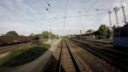Trať Milovice – Masarykovo nádraží z pohledu strojvedoucího