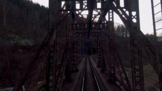 Pohled strojvedoucího z kabiny vlaku: Děčín P. Žleb – Ústí n. Labem Střekov (QHD 2K7 reálný čas)