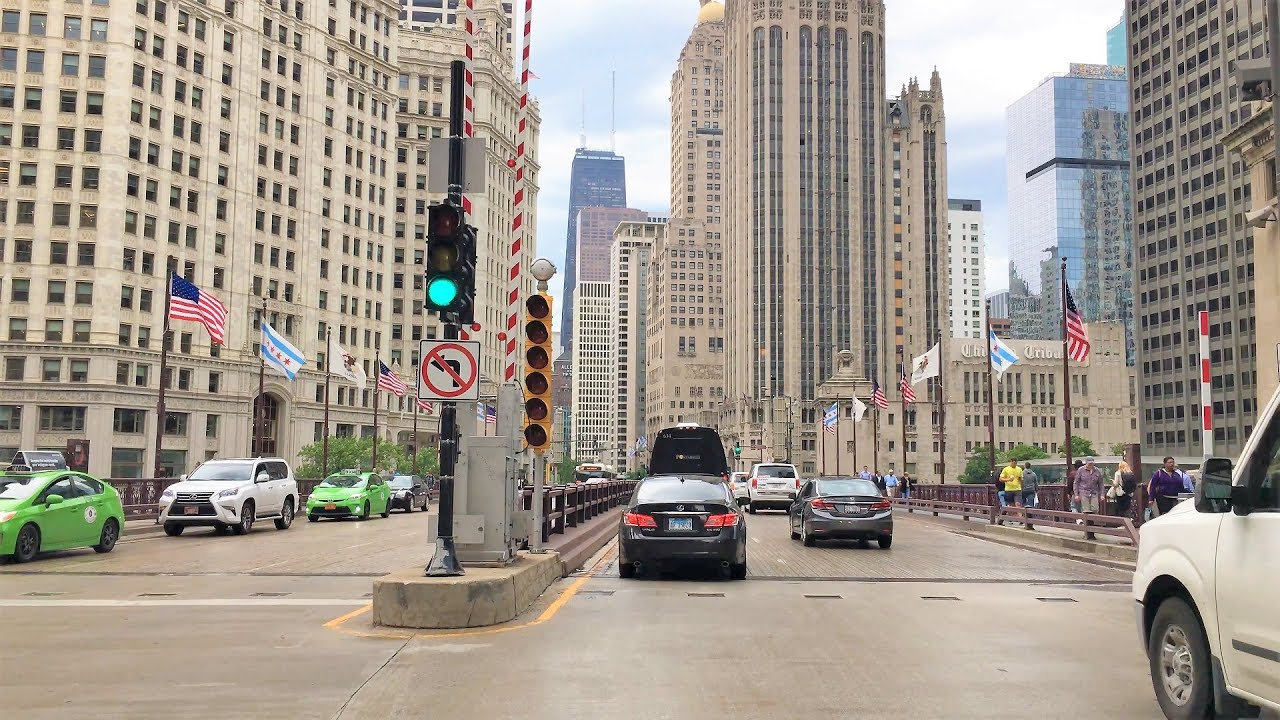 Chicago 4K – Chicago's Main Street – The Magnificent Mile